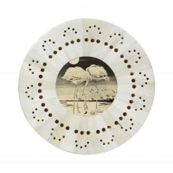 Biała, okrągła perforowana ramka z obrazkiem