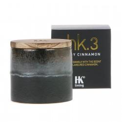 Świeca sojowa w ceramicznym słoju o zapachu pikantnego cynamonu
